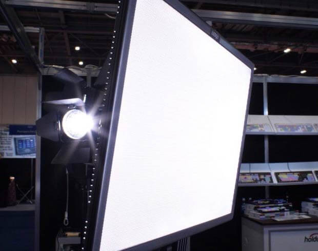 News Shooter: BVE 2018 - LEDGO LG-E268C Bi-Colour LED PAD Light by Ogy Stoilov